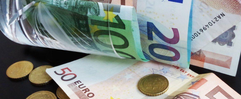 investment-1705416_1920-ArnhemLife-blog-how-to-find-work-1200x480
