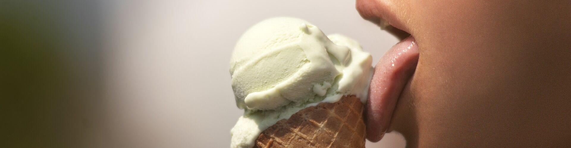ice-cream-2588541_1920